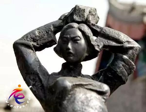 台儿庄大战中最美的18岁抗日女英雄 | 硝烟中绽放的百合——刘守玟