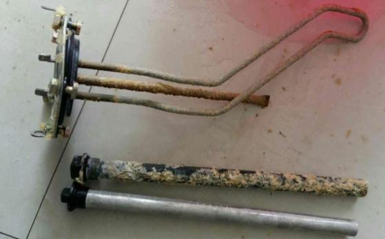 热水器用久了水垢多?学会这3步,清洗不用请工人,别再浪费钱!