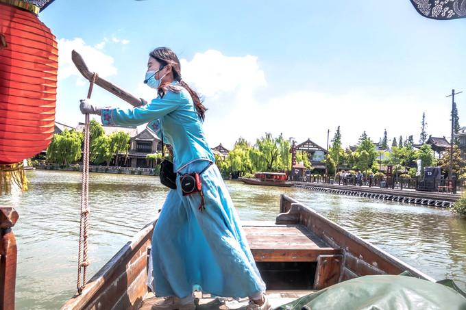 @船妹子丨寻梦台儿庄,岂能少了乘船一游,如梦如幻~