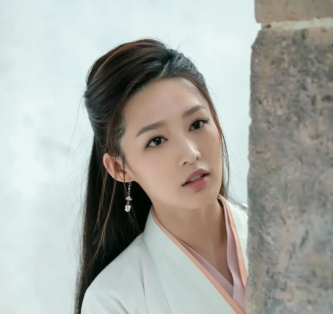 李清照:她凭何与月同辉,千古清雅照人间?
